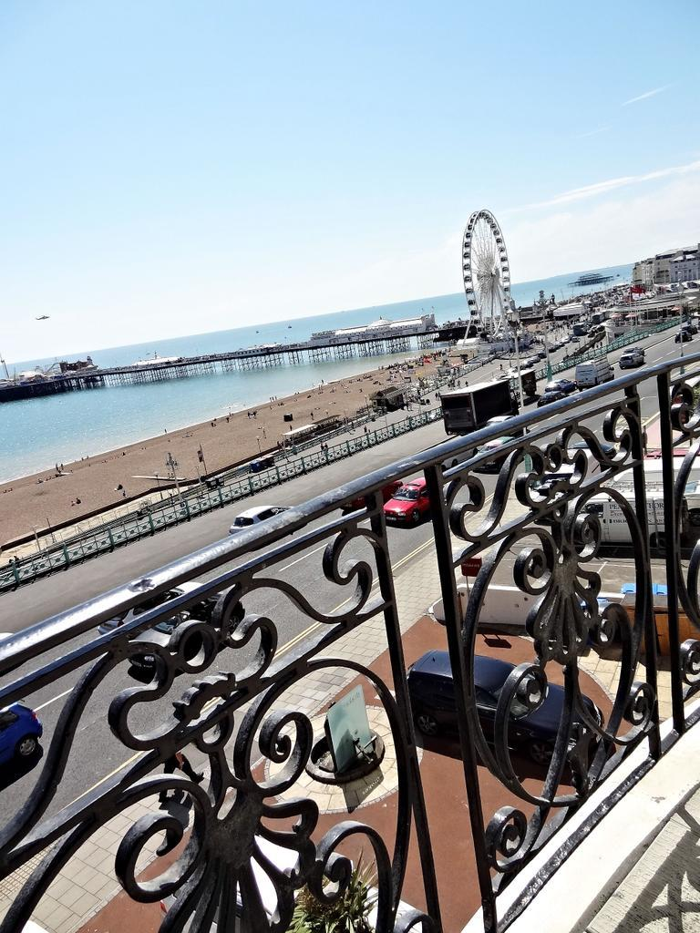 Beach Pad Apartment, Brighton & Hove Images - 6