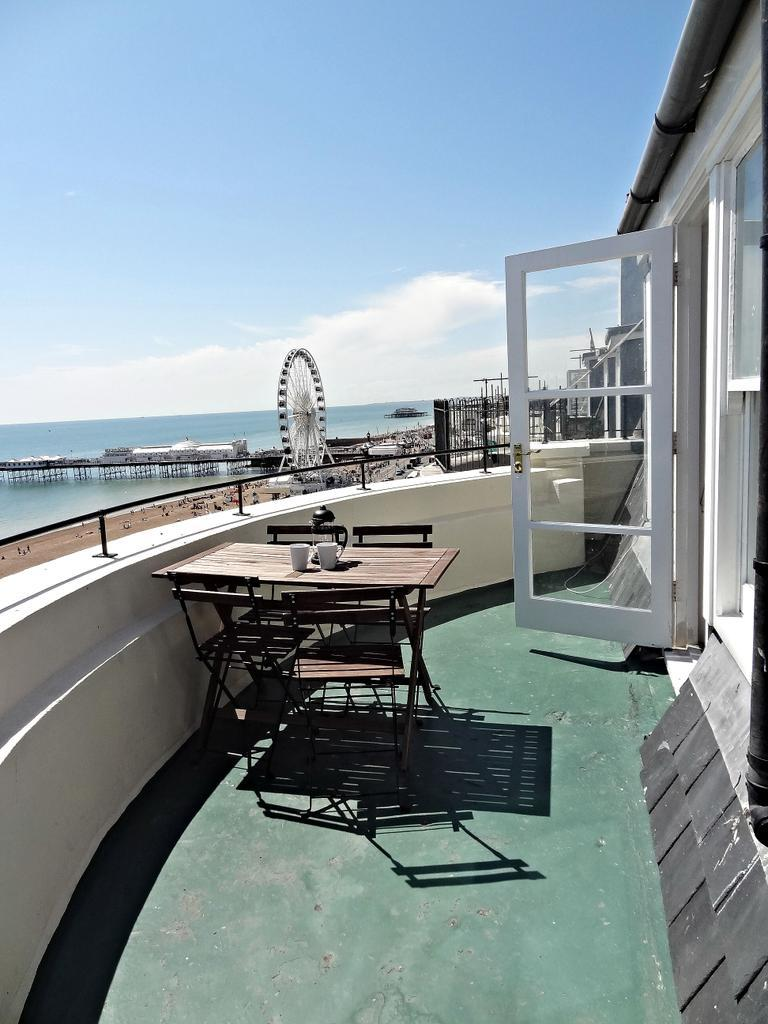 Beach Pad Penthouse, Brighton & Hove Images - 5