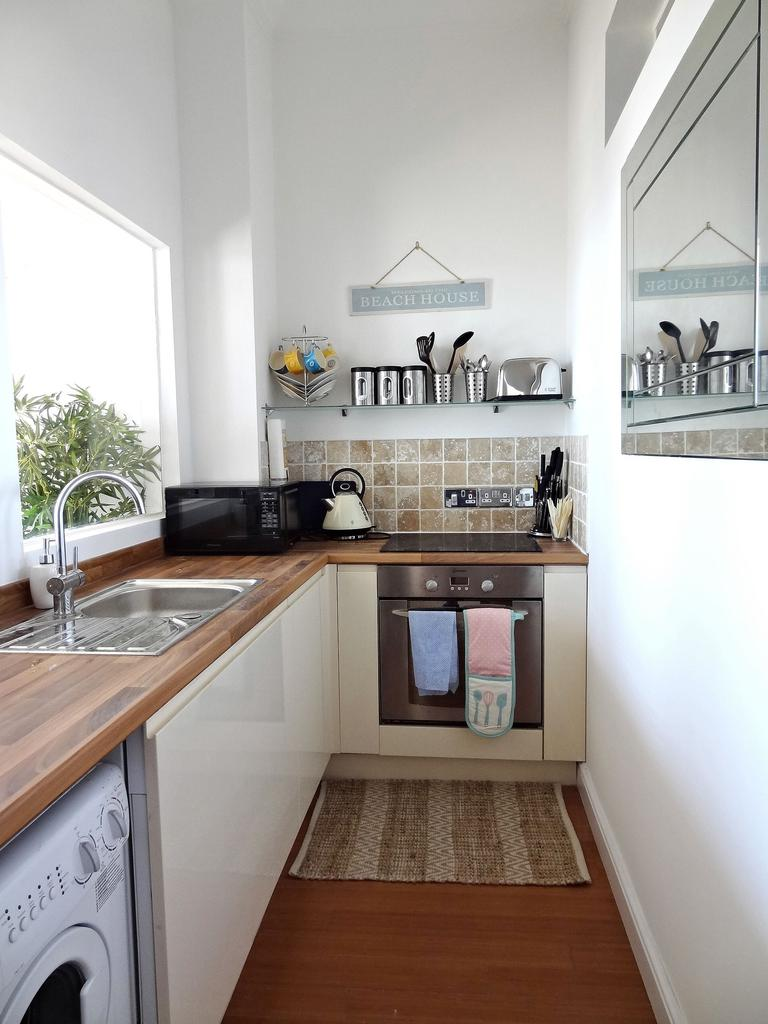 Beachfront Apartment, Brighton & Hove Images - 14