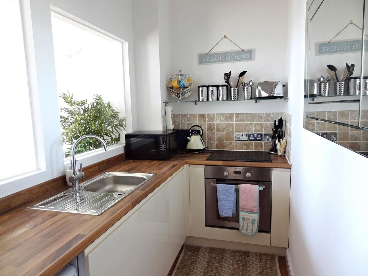 Beachfront Apartment, Brighton & Hove Images - 12