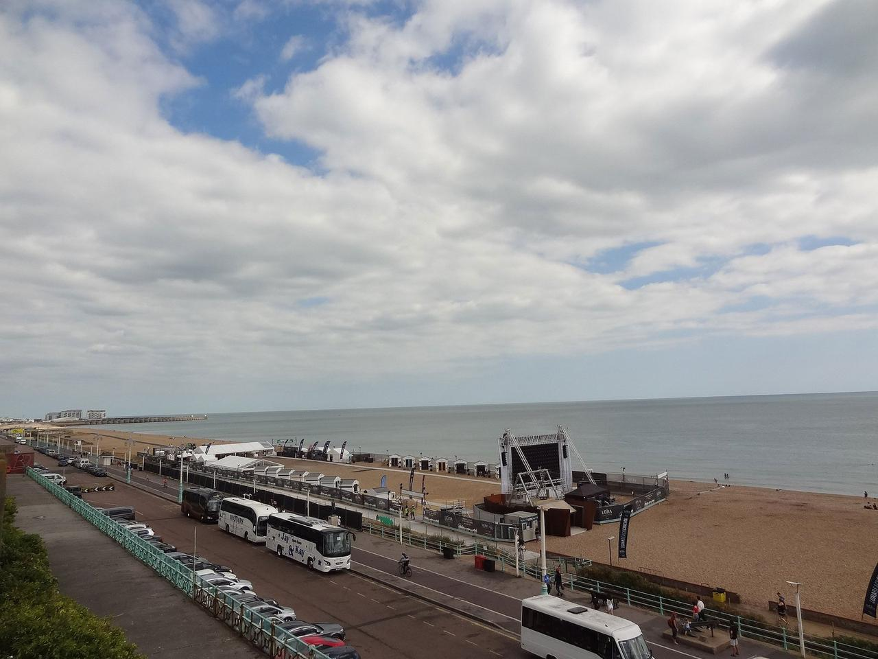 Beachfront Apartment, Brighton & Hove Images - 8